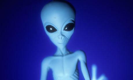 Bill Clinton  believes in the existence of aliens