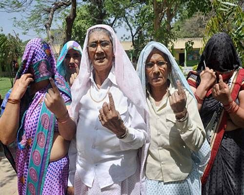 P: 39.76 pc voting till 2 PM, poll boycott at few seats