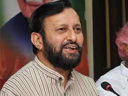 Javadekar promises fast clearances to infrastructure projects