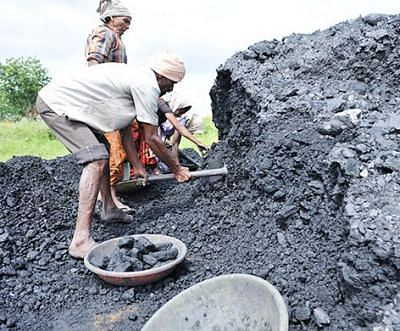 Firms with cancelled  coal mines can bid in auction by paying levy
