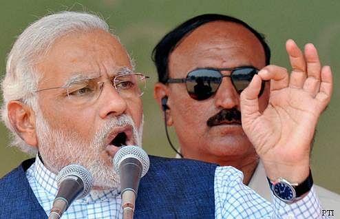 Modi attacks PM, Sonia; says LS polls all about decisive PM