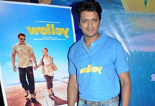 'Yellow' bags 3 National Awards, B-Town cheers for Riteish