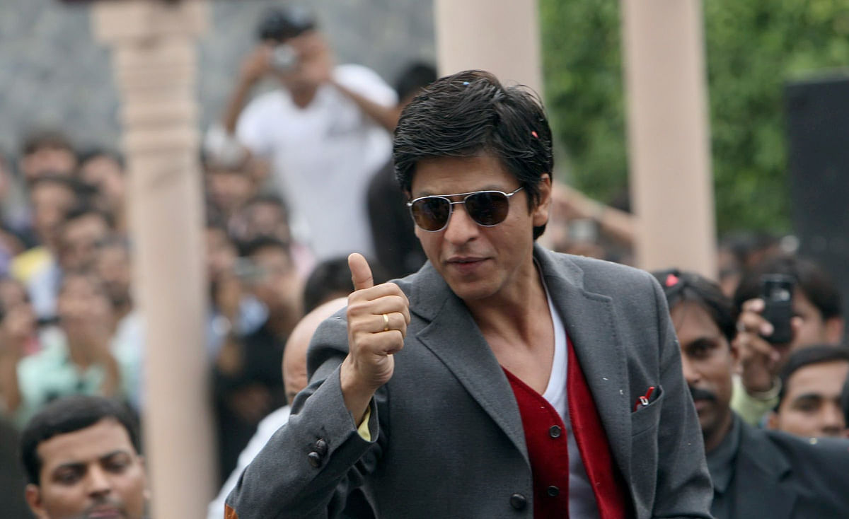 Shah Rukh Khan posts a thank you message for his fans