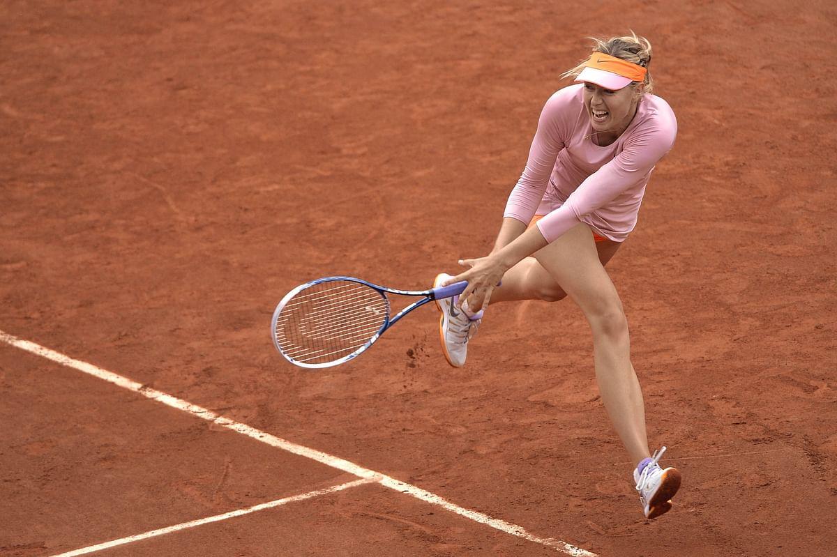 Djokovic, Sharapova  shine in Paris gloom