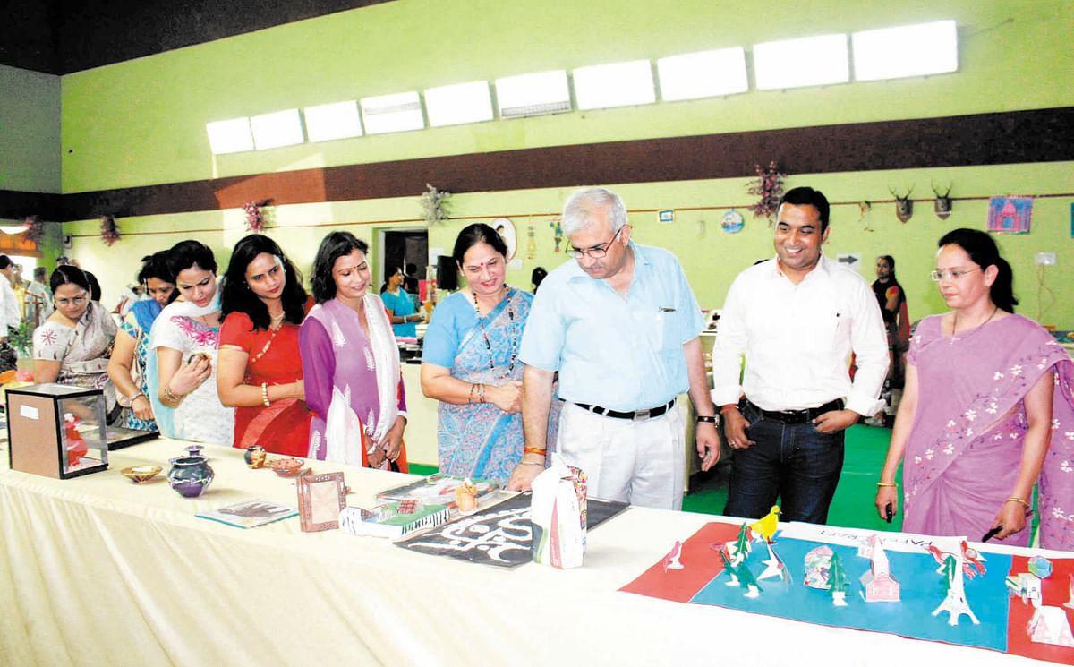 Handicrafts expo at Narmada Club