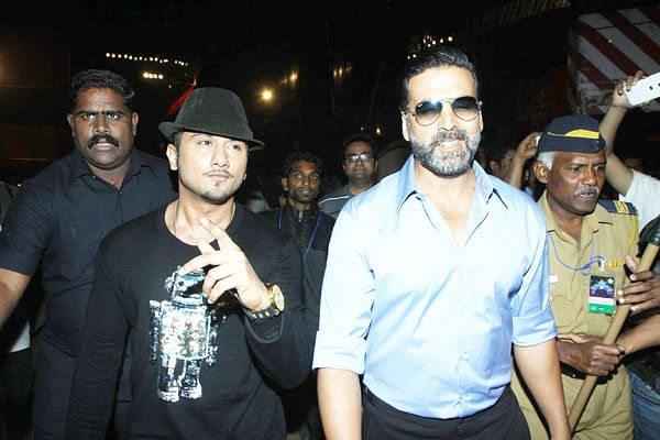 Khiladi visits Yo Yo Honey Singh