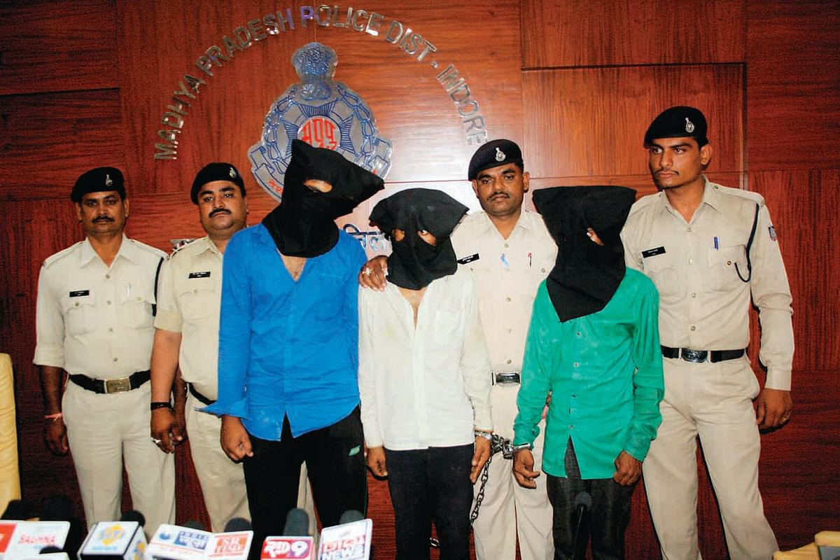 Robbers gang busted, three arrested