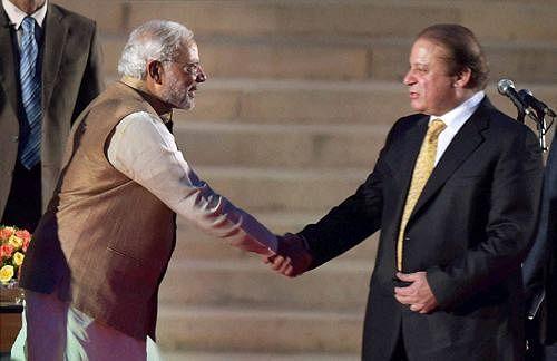 Modi, Sharif discuss India-Pakistan ties