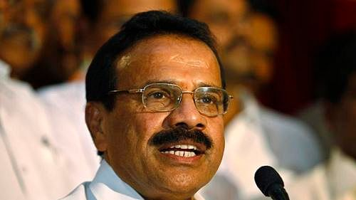 No quarantine rules for ministers? Karnataka BJP's Sadananda Gowda skips quarantine after his return from Delhi