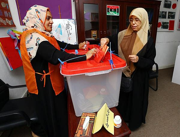 Libyans vote in hope to ease post-Gaddafi chaos