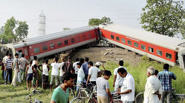 Delhi-Dibrugarh Rajdhani Express derailed at Golden Ganj station near Chapra early on Wednesday.