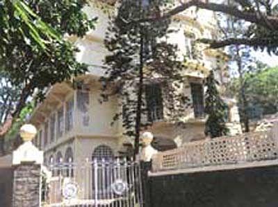 Bhabha's house nets Rs 372 cr