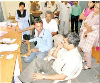 Commissioner dissatisfies over rural affairs of Nagda