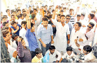 Govt favouring minority colleges: NSUI