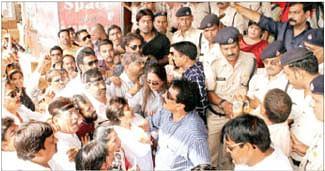 Congress protests train fare hike