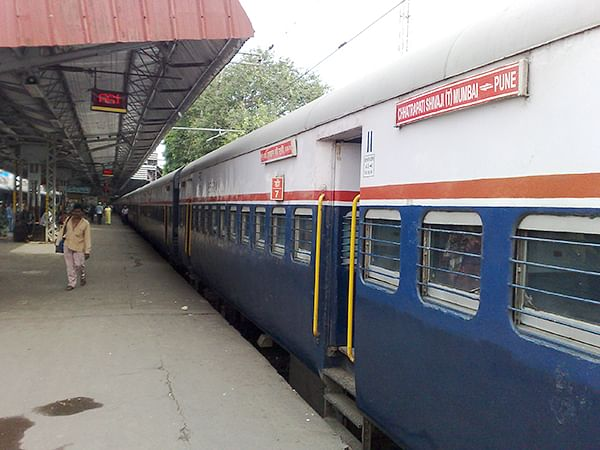 Coronavirus in Maharashtra: Deccan Queen and Pragati Express, which run between Mumbai and Pune, expected to start mid-October