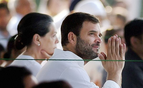 Summons against Sonia, Rahul stalled by Delhi HC