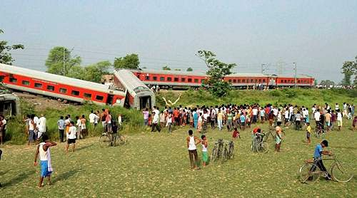Rs 4 lakh for kin of those killed in Bihar rail tragedy