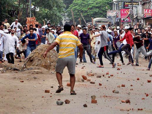 10 injured in TMC-BJP clash, 7 houses set afire