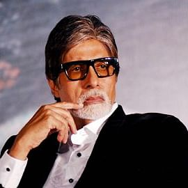 Bat enters Amitabh Bachchan's Mumbai house, actor says, 'Corona peecha chodh hi nahin raha'