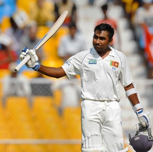 Jayawardene ton takes Sri Lanka to 305-5