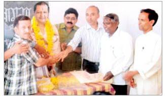 Teachers' bid farewell to Sharma