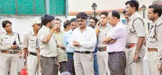 Water crisis leads Muni Nagar residents to block road