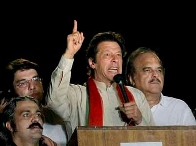 Imran's anti-Govt protests shut down Lahore