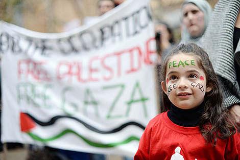 Strike on UN Gaza school kills  10 as troops start withdrawing