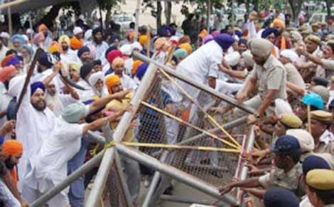 Gurudwara row snowballs as clashes erupt in Kurukshetra