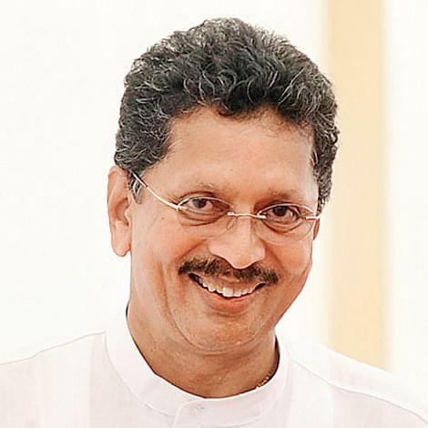Kesarkar joins Sena,  takes a jibe at Rane