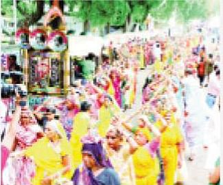 Last Monday of Shraavan month celebrated with religious fervour