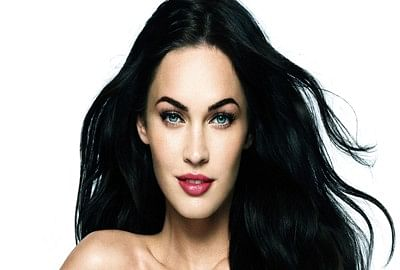 Megan Fox turns palmist on 'Jimmy Kimmel Live!'