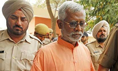 Swami Aseemanand gets bail in Samjhauta blast case