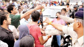 Family tries to stage chakka jam to protest police apathy