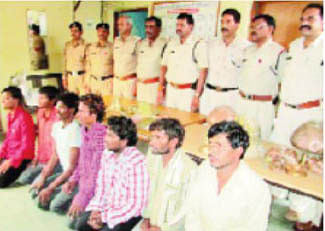 Gang of robbers busted in Badnawar