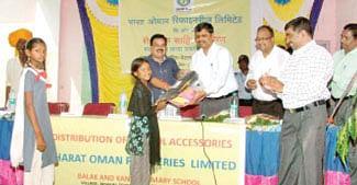 185 students get educational material in Petlawad
