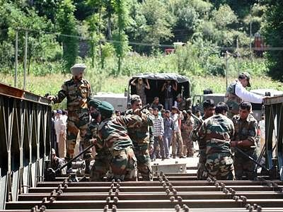 Lt Gen Singh visits Poonch to take stock of security situation