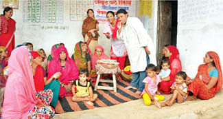 Anganwadi hosts National Nutrition Organizations' Programme on health
