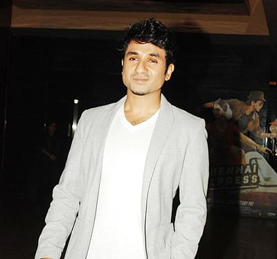 Vir Das wants to continue stand-up comedy
