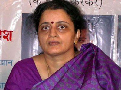 26/11 martyr Hemant Karkare's wife Kavita cremated