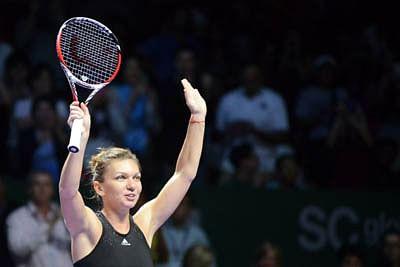 WTA finals: Halep routs Serena