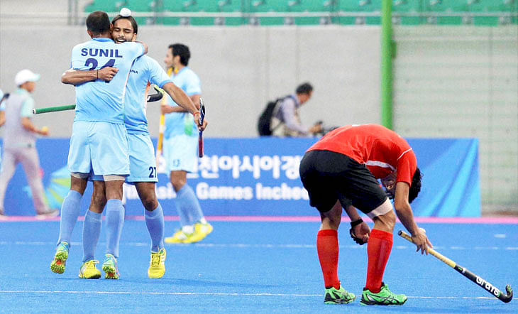India set up a revenge clash against Pakistan in the hockey final