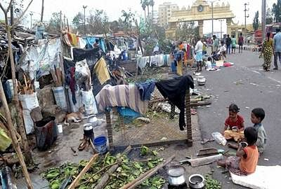 'About 30 lakh families in AP affected by Hudhud'