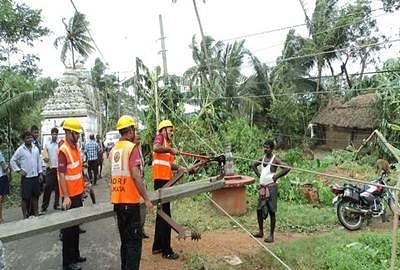 Relief operations begin in cyclone-hit Andhra Pradesh