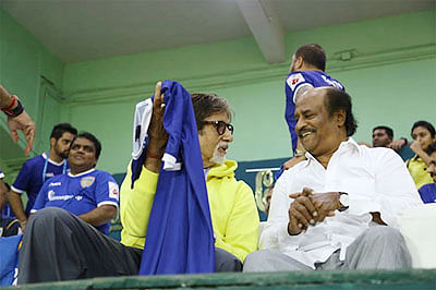 Big B hopes for growth of football in india