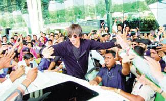 Comparison with Modi a compliment: Shahrukh
