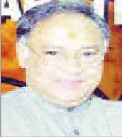 Laxman attacks Katare; says decision to hold demo on Nov 1 wrong