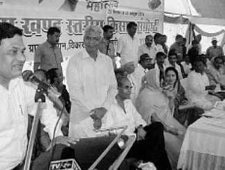 MP Riti Pathak & collector attend farmers' convention