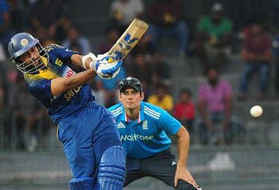 Dilshan shines as Lanka clinch ODI series 5-2 over England
